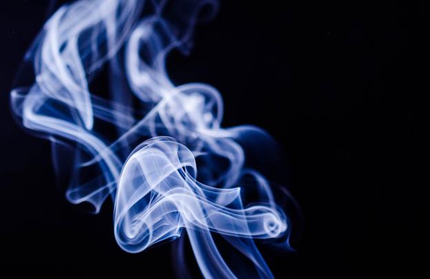 persuasive essay about smoking